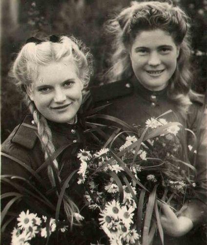 Какими красивыми были наши бабушки… В Неизвестном солдате появился «девичий батальон»
