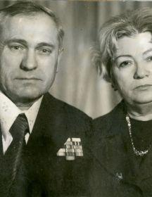 Зверев Григорий Филиппович, Клавдия Николаевна