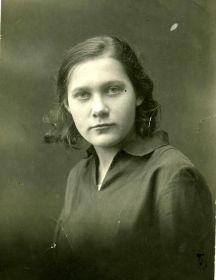 Зинаида Александровна Рылкина (урожденная Кузьмина)