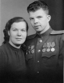 Смирнов Анатолий Григорьевич, Смирнова Валентина Петровна