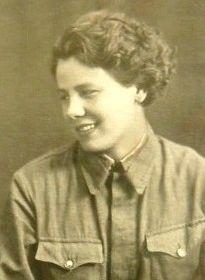 Степанова (Гусева) Александра Алексеевна