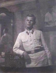 Новиков Владимир Алексеевич  ( 16.06.1921 — 03.01.1945 )
