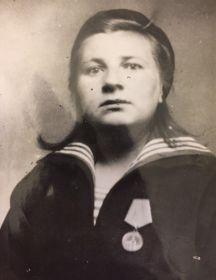 Гусарова (Соловьева ) Александра Никоноровна