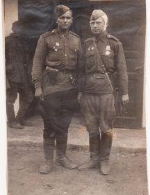 Перевертайло Николай Николаевич (справа, ранен)