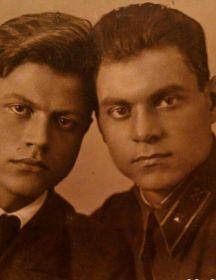 Янин Николай Георгиевич (слева)
