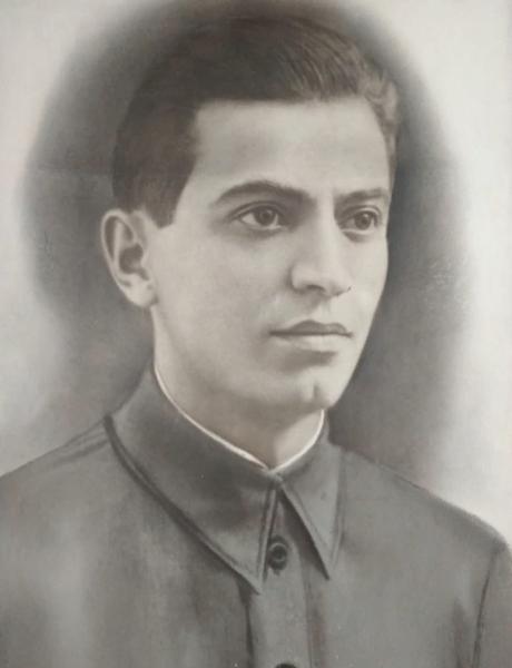 Азизов Азиз Азизович