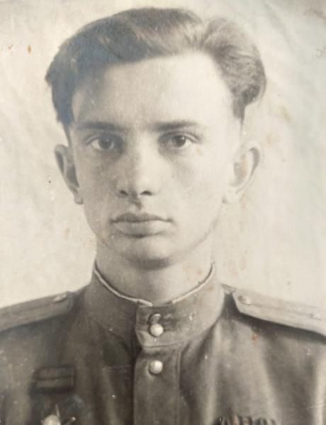 Суриков Леонид Александрович