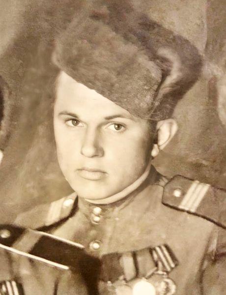 Логунов Иван Дмитриевич