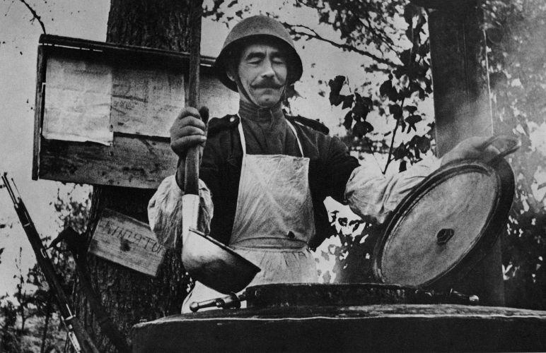 Война войной… С полевой кухней – до Берлина