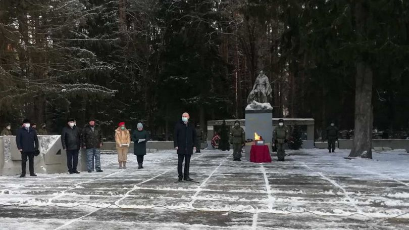 В Дятькове состоялась церемония передачи останков погибшего красноармейца