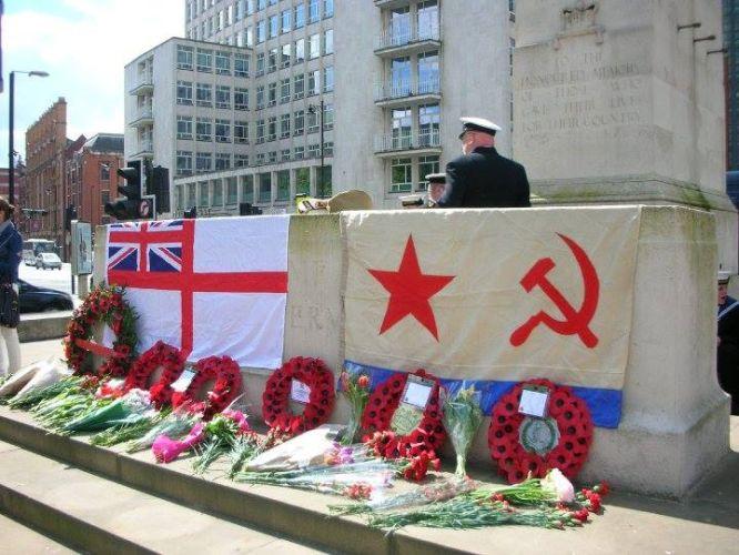 День Победы и марш Бессмертный полк в Манчестере