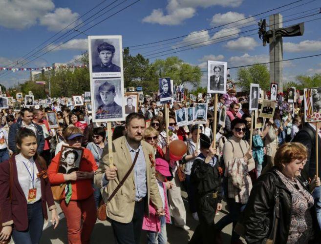 Оренбург. 30 тысяч вышли на шествие Полка