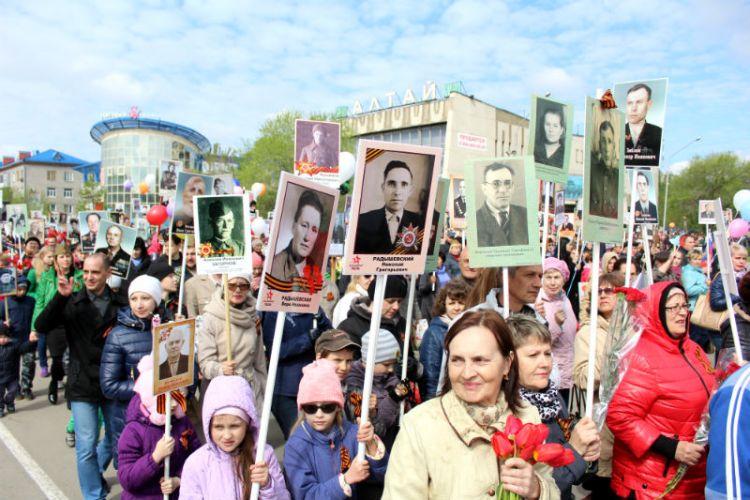 День Победы в Бийске: как пройдет парад и где изготовить штендеры для Бессмертного полка