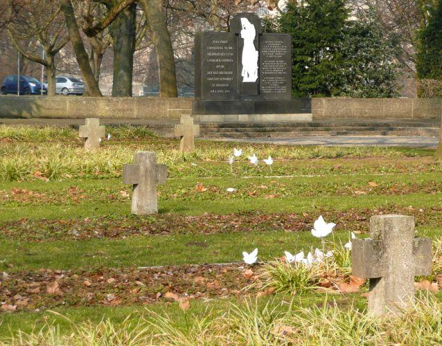 Ehrenfriedhof am Maschsee-Nordufer