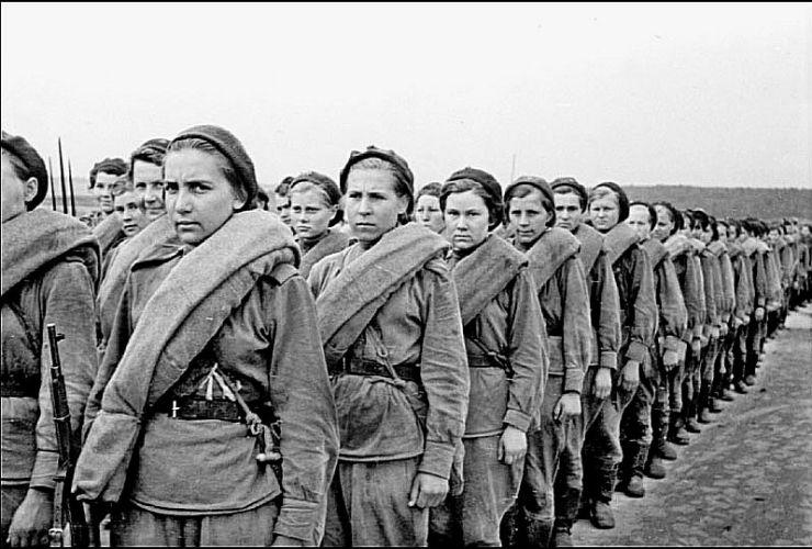 Женщины тоже герои!