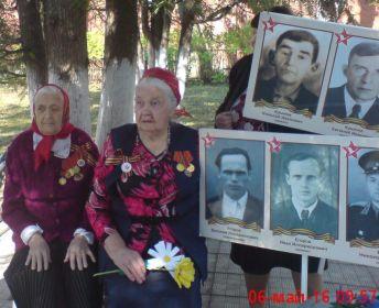 2016 г. 6 мая. И у этих бабушек разница 14 лет. Обе труженицы тыла. Юрасова Мария Михайловна (101 год) и Егорова Таисия Васильевна (87 лет).