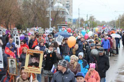 Движение колонны по пр-ту Ленина