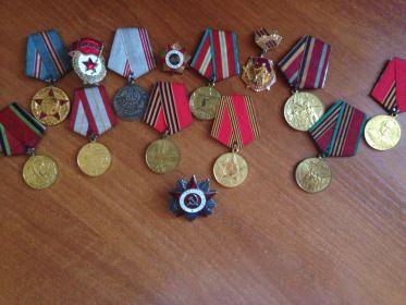 К сожалению, некоторые медали не сохранились.