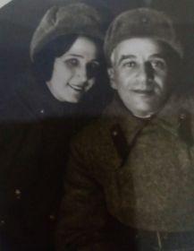 Это родители моего дедушки: отец Аркадий Георгиевич (Терзиев) и мама Полина  Ивановна (Козырева)
