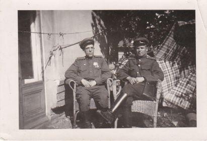 Стребков И.Г. (справа) 1945г
