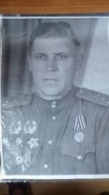 Кавалер двух орденов Александра Невского и двух орденов Красной звезды