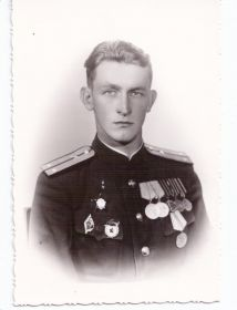 Орден Отечественной Войны I степени, орден Отечественной войны II степени, орден Красной звезды.