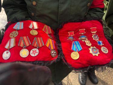 """медаль """"Ветеран вооруженных сил"""" и другие"""