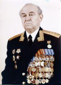 Игорь Вячеславович Илларионов (см.) - двоюродный брат.