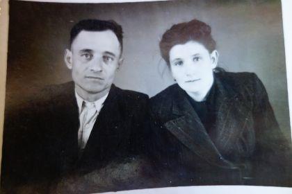 Мой дедушка с супругой Мастеровой Александрой Васильевной( моей бабушкой).