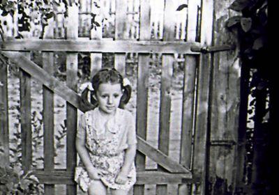 Внучка Юля.