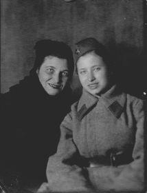 С мамой Куликовой Елизаветой Федоровной