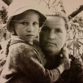 Женна Анна и дочь Нина