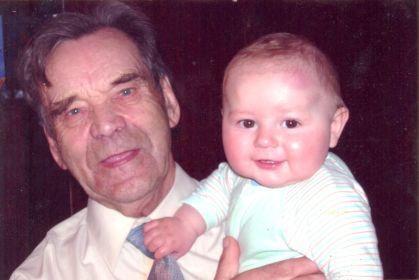 С правнуком Ростиславом Сергеевичем 09.05.2007