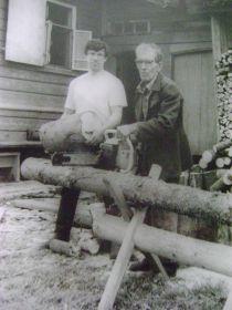 С сыном Леонидом