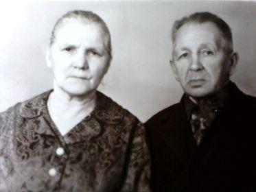 С женой Антониной