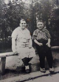 брат Крылов Михаил Гаврилович с женой Евдокией Сергеевной.