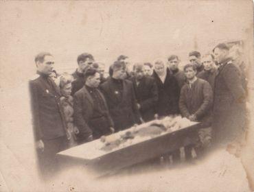 Унгун прощается с Ветераном в 1953 году (сейчас и не вспомнили).