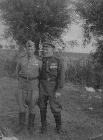 Шилов Петр Петрович - слева. Польша.
