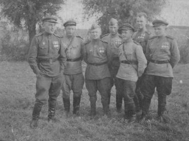 Шилов Петр Петрович - 4-ый слева. Польша.