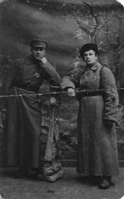 Малыгин В.А. с товарищем, Петроград1920 г