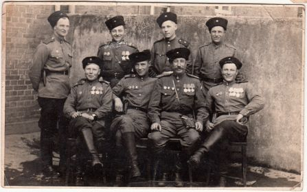 Бавыкин Андрей Фомич и его однополчане. Город Виттенберг, Германия. 1945 год.