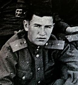Сослуживцем Иванова Василия Ивановича по 25-му ЗАП. был лётчик - инструк-тор,  лейтенант Забелин Владимир Николаевич.