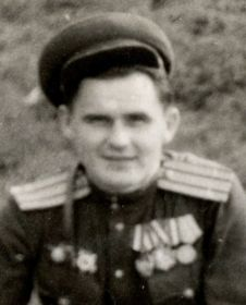 Гвардии подполковник Николаев Леонид Павлович (1912–?), начальник политотдела 47-й гвардейской стрелковой дивизии.
