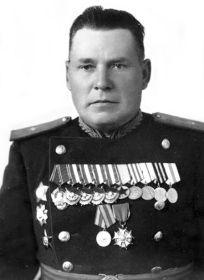 Горбачёв Иван Александрович 1898 года рожд., полковник 252 сд. Командир дивизии.