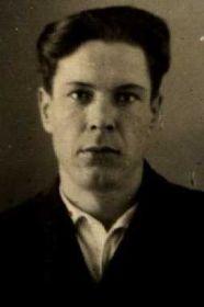 "Шахунов Иван Семенович 1920 года рожд., мл. лейтенант 928 сп. Командир взвода связи 2-го стрелкового батальона. Медаль ""За боевые заслуги"" - подвиг 31.07.1943 года."