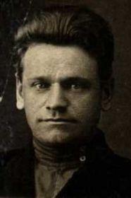 Зарецкий Иван Иванович 1906 года рожд., лейтенант 928 сп. Командир 2-й минометной роты и командир младшего лейтенанта Сапрыкина И.М. Орден Красной Звезды - подвиг 19.08.1943 года.