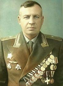 Горлаченко Михаил Иосифович- командир 4 ШАП