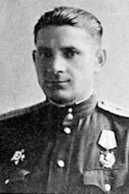 Кузьменко Арсентий Игнатьевич, 14.02.1914-?, лейтенант, штурман