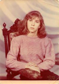 Поликаренко (Рассказова ) Марина Афанасьевна. Внучка. 1987 г