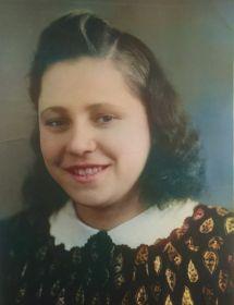 Савельева (Белякова) Нина Андреевна